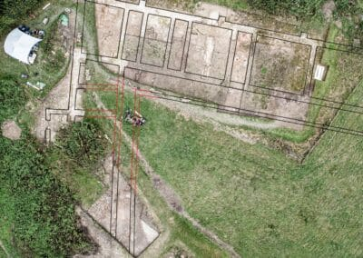 An aerial overlay detailing the villa's foundations